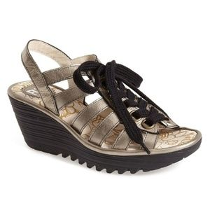 FLY London Yito Wedge Pump in Lead